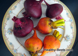Organic red and yellow beets